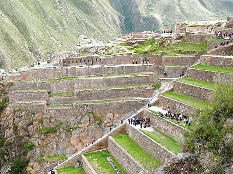optimized_ollantaytambo-ruins-cusco